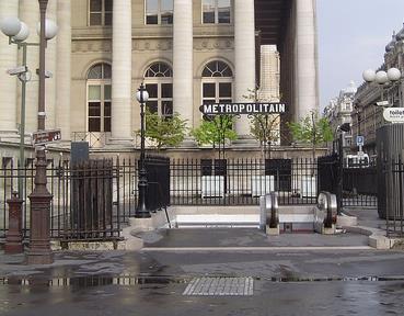 Métro Bourse