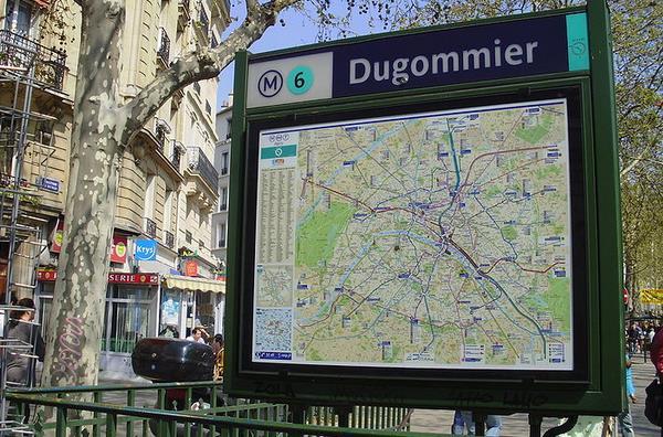 Métro Dugommier