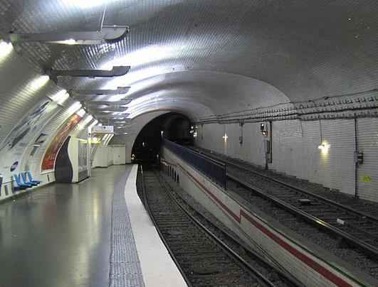 Métro Mirabeau
