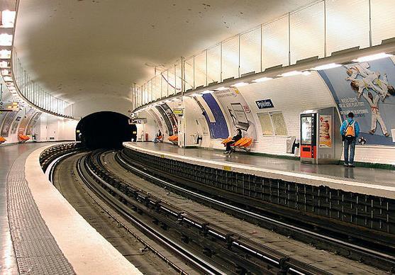 Métro Pyrénées