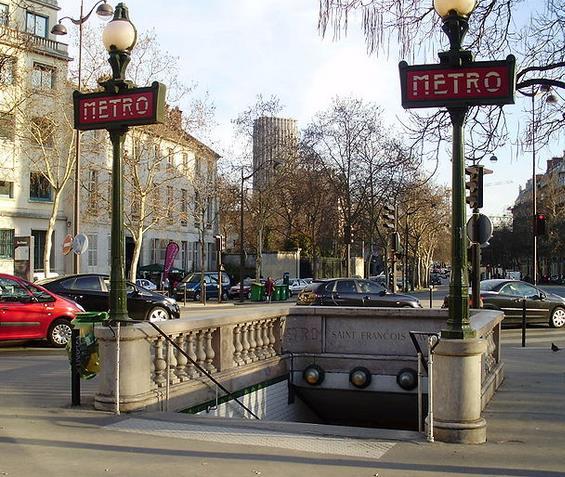 Métro Saint-François-Xavier