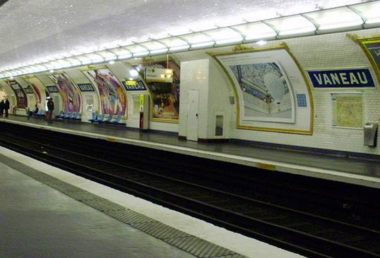 Métro Vaneau