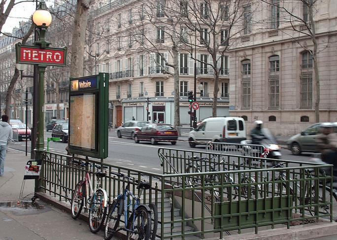 Métro Voltaire